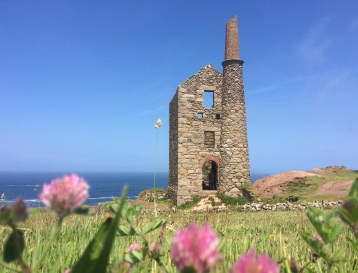 Tour Cornwall mining engine house